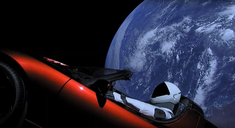 lancement de la falcon heavy de spacex le voyage de starman au volant de sa tesla rouge la. Black Bedroom Furniture Sets. Home Design Ideas