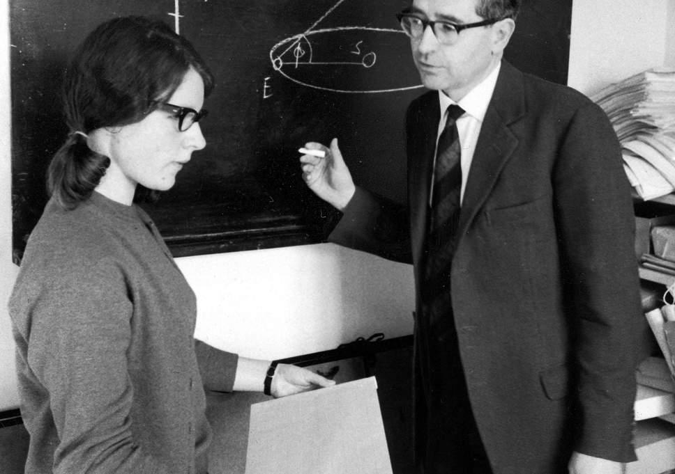Jocelyn Bell et Anthony Hewish, en mars 1968
