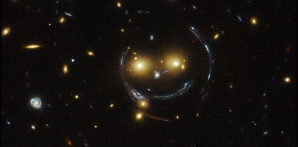 Hubble photographie un smiley dans l'espace