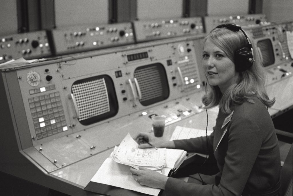 Poppy Northcutt au centre de contrôle de la NASA