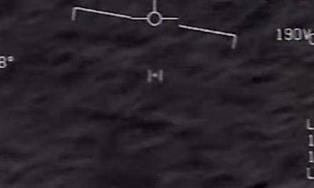 """Vidéos d'OVNI : L'U.S. Navy confirme avoir filmé des """"phénomènes aériens non identifiés"""""""