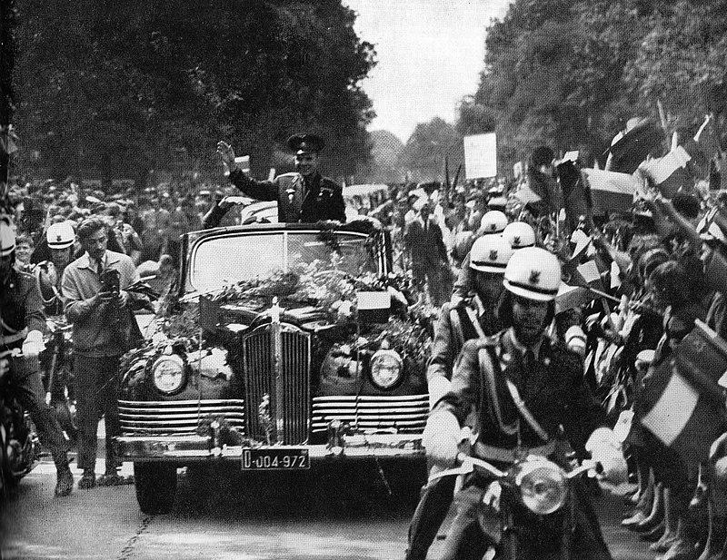 Parade de Youri Gagarine en 1961 à Varsovie