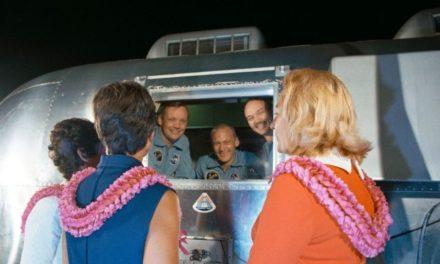 Astronautes d'Apollo en quarantaine : un ukulélé et une fête d'anniversaire