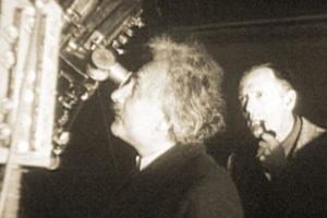 Albert Einstein et Edwin Hubble