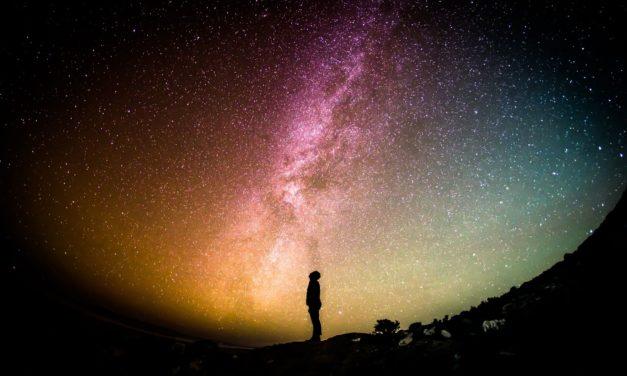 Apprendre l'astronomie en ligne